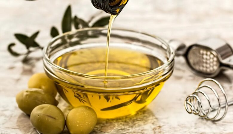 Benefits Of Extra Virgin Olive Oil For Skin, Hair, And Health