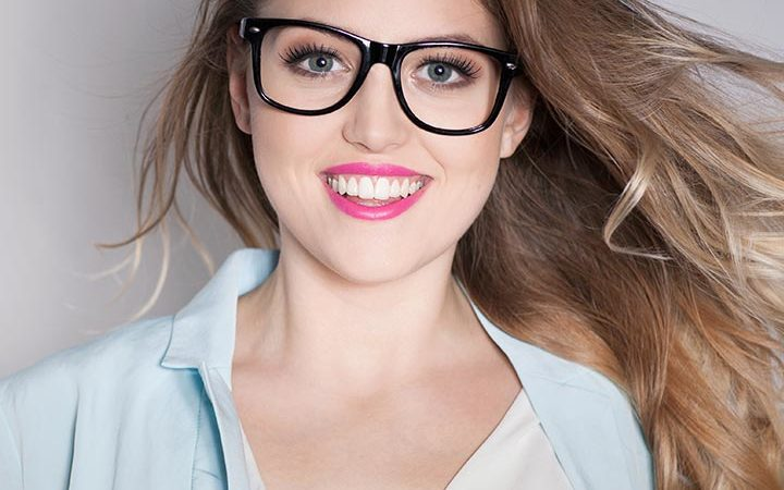 How To Do Makeup With Glasses - 6 Easy Step