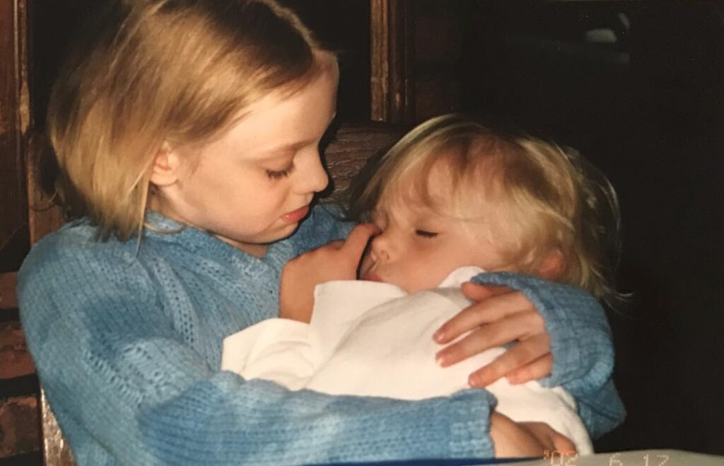 Why Your Older Sister Is One of the Most Important People in Your Life